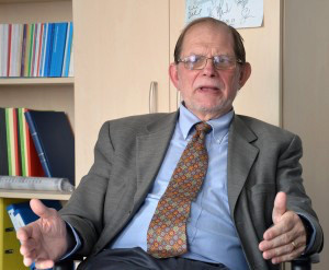 Chris Ferguson, Secretario General de la CMIR